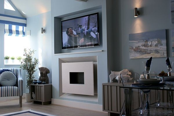 Recessed Flueless Gas Fire With TV Above