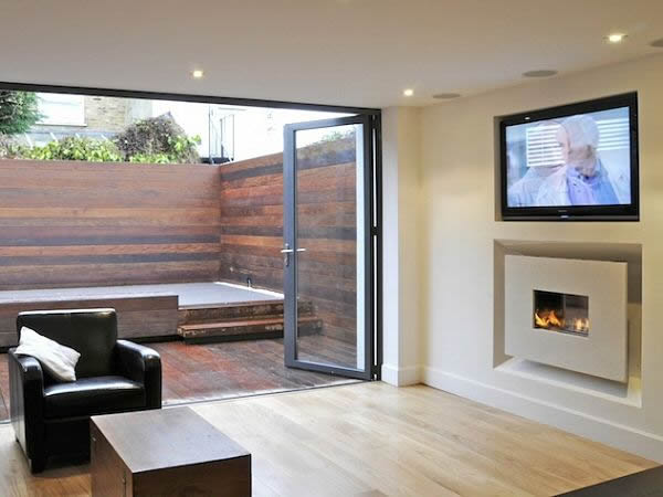 RECESSED FLUELESS FIRE