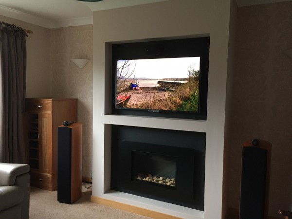 FR600 High Efficiency With TV Above Gas Fireplace
