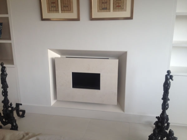 Cream Recessed Moderno In Limestone 1