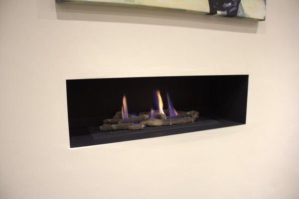 Madini Fire With Log Decor